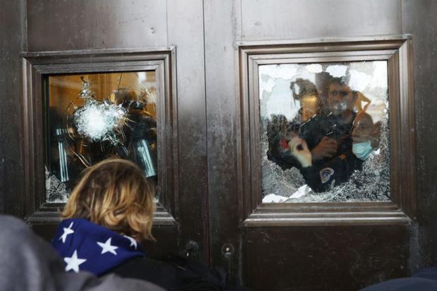 حمله طرفداران ترامپ به ساختمان کنگره آمریکا